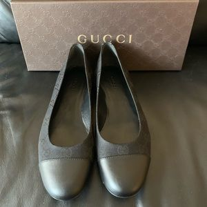 Brand new authentic Gucci Woman Flats Shoes 37 7